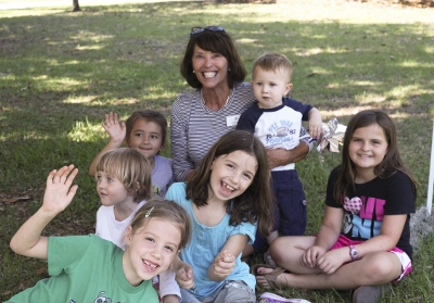 Lynn with Children (400x279)
